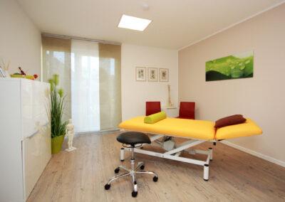 Eines der beiden Behandlungszimmer